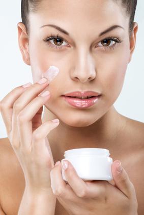 Découvrez sur Illicopharma la nouvelle gamme de soins anti-rides pour préserver une peau jeune