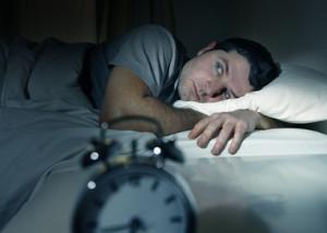 homme insomnie