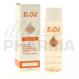 Utilisez Bi-Oil 125ml pour réduire les traces de vergetures et autres cicatrices sur la peau