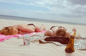 hand-beach-sand-girl-sun-woman-316-pxhere.com