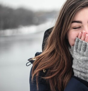 hand-person-cold-winter-girl-woman-812310-pxhere.com