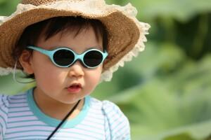 outdoor-girl-sunshine-hair-flower-boy-829396-pxhere.com