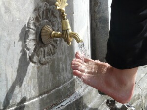 water-foot-washing-material-human-body-sculpture-1254895-pxhere.com