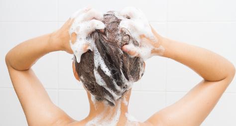 Shampooing contre les cheveux gras